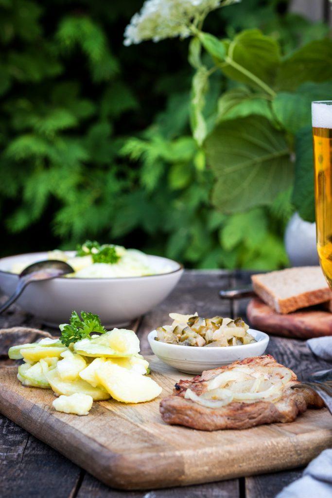 Thueringer-Rostbraetel und warmer Kartoffelsalat