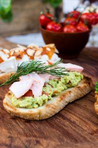 Antipasti selber machen: Bruschetta mit Lachs