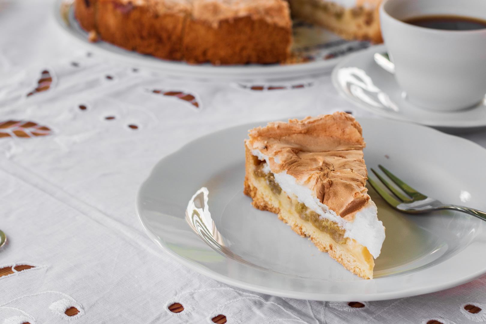 Stachelbeer-Baiser-Torte nach einem alten Familienrezept