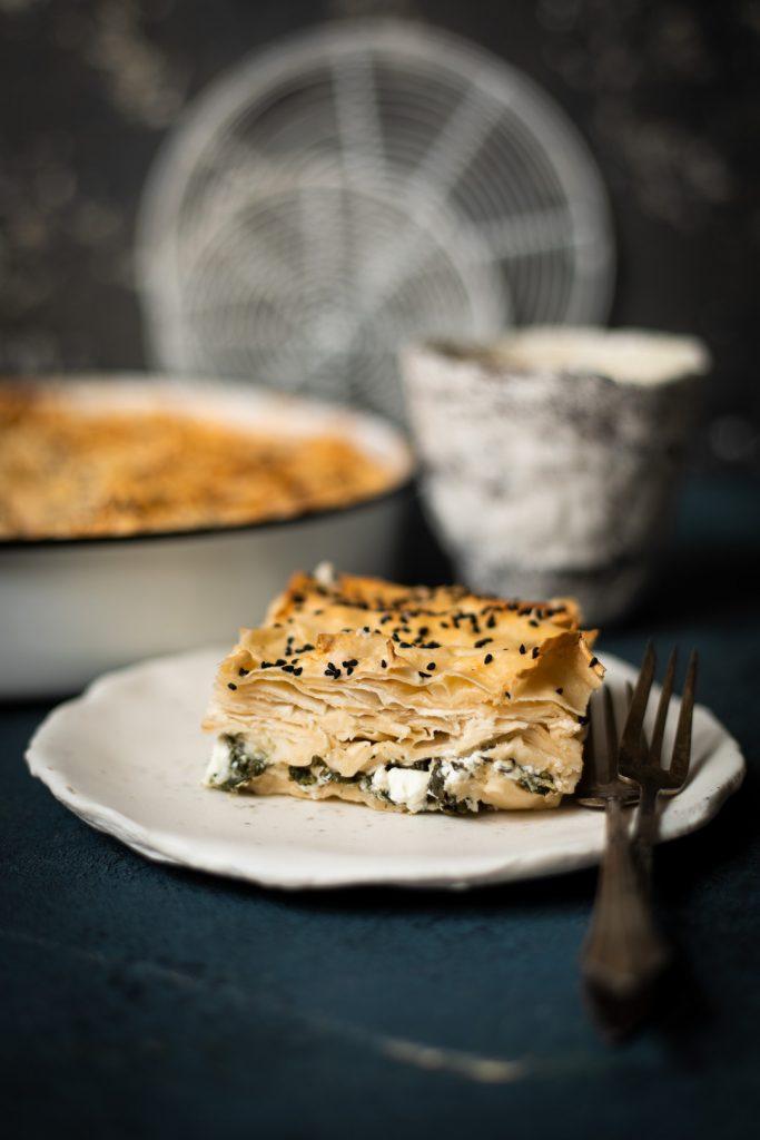 Saftiges Börek mit Spinat und Käse türkische Küche
