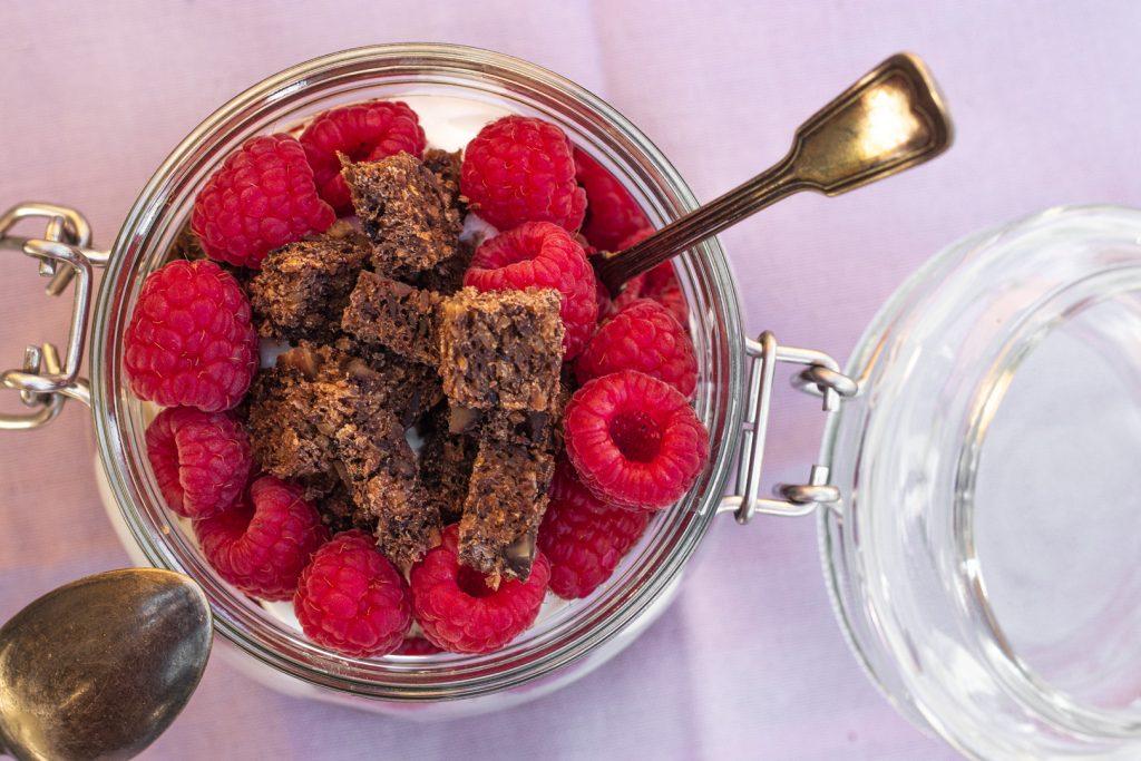 Joghurt-Pflaume-Nuss-Osterbrunch