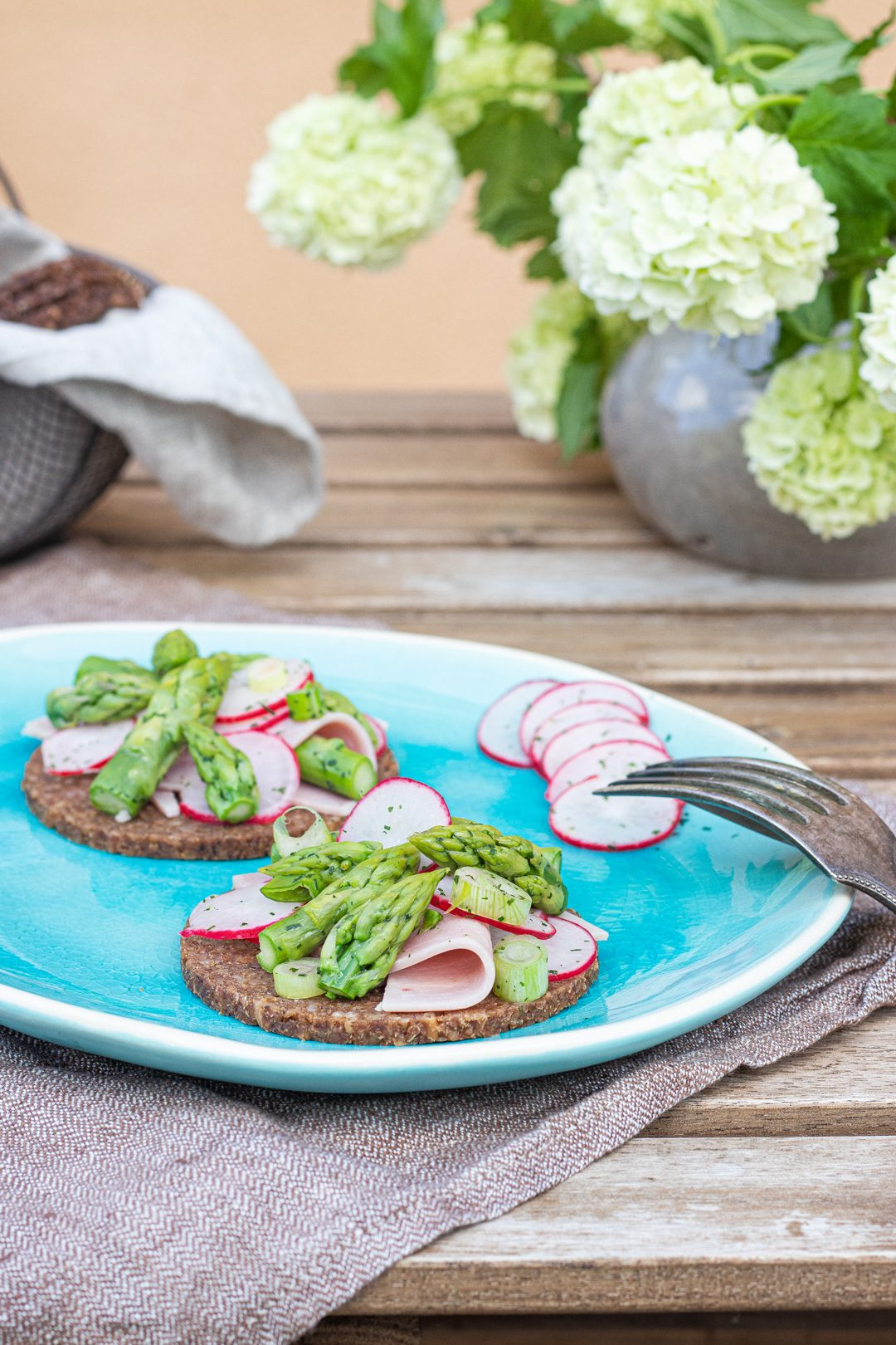 Spargel-Salat-mit-Kochschinken