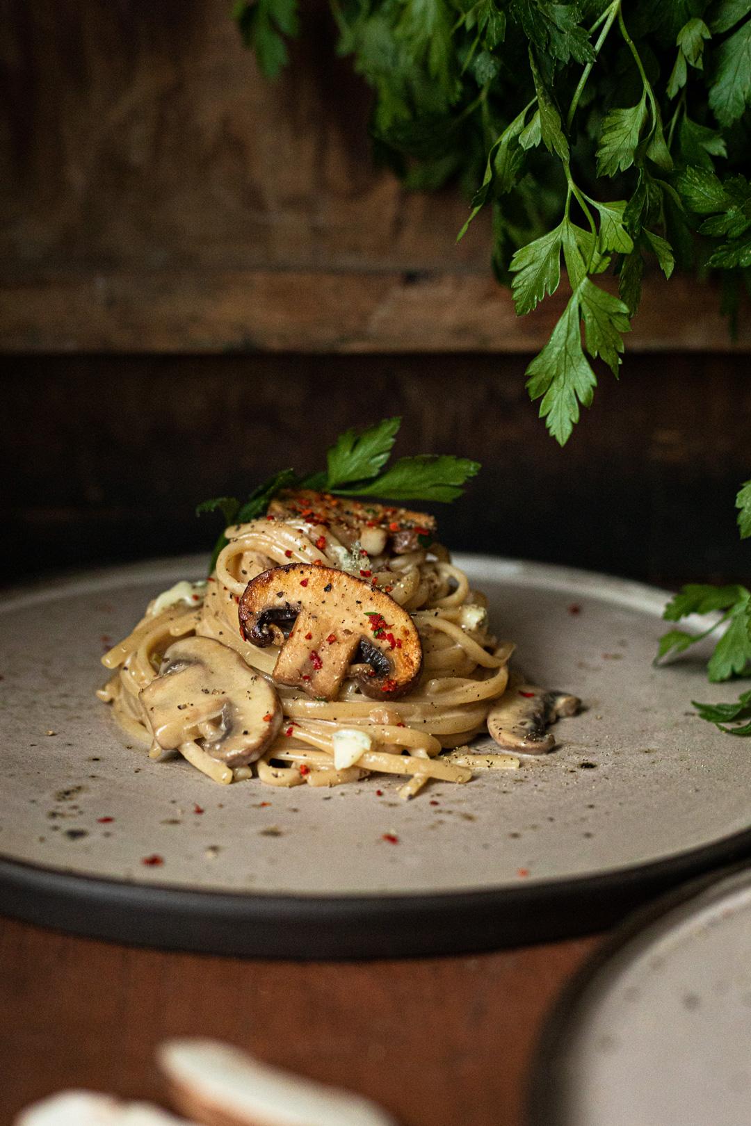 Dinkel max Linguine mit Gorgonzola-Pilz-Soße