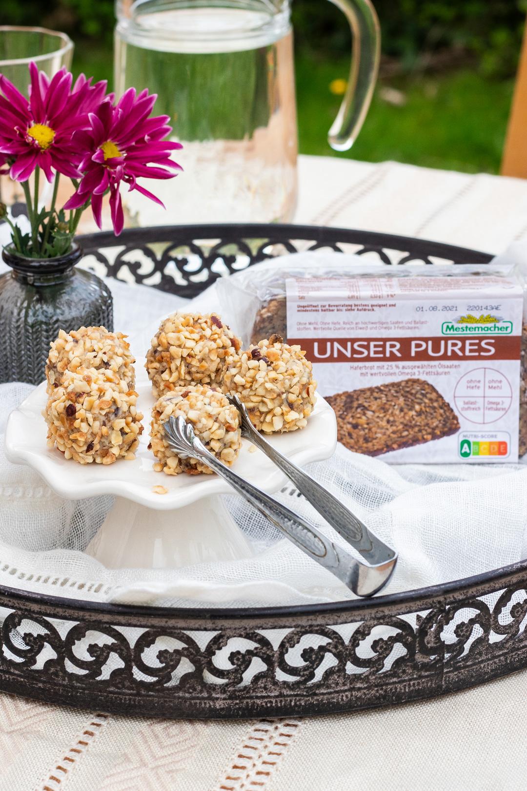 Kokospralinen-mit-Unser-Pures